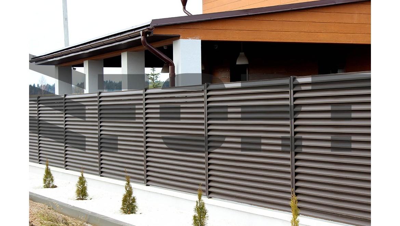 Забор жалюзи металлический fort lux для коттеджа